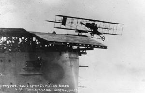 """<h3> El primer portaaviones de la historia</h3>    <a href=""""http://piziadas.com/2012/02/el-primer-portaaviones-de-la-historia.html"""">201111_primer-portaaviones-de-la-historia14</a>"""
