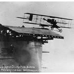 El primer portaaviones de la historia